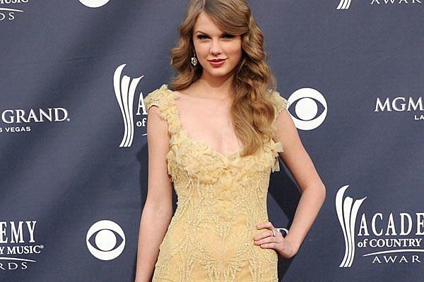 Taylor Swift Entertainer of the Year