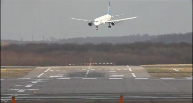 dangerous-airplane-landings-in-crosswinds