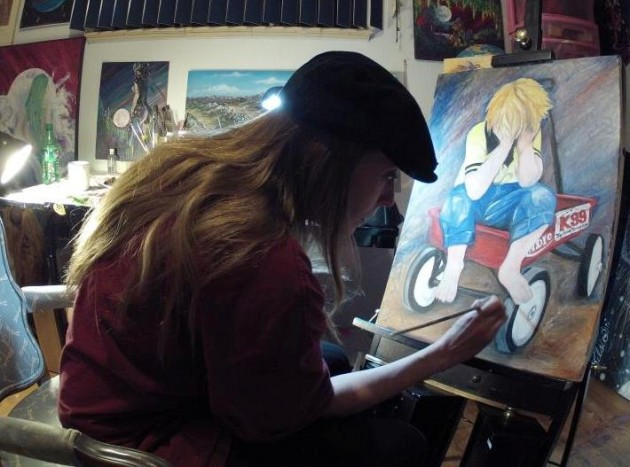 "TheArtist Kelsie paints ""Hug Me"" for the 28 Hours of Hope"