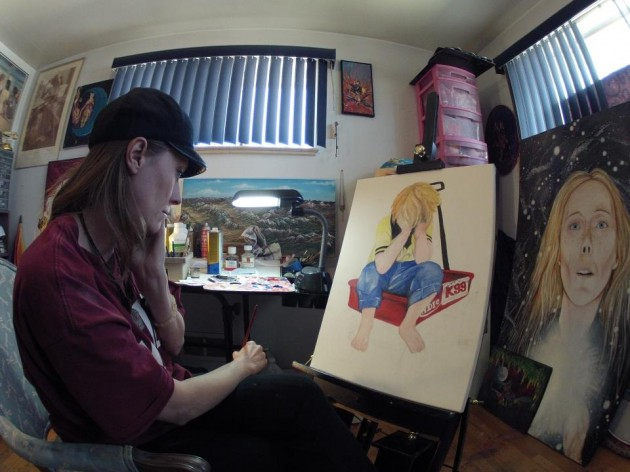 """TheArtist Kelsie paints """"Hug Me"""" for the 28 Hours of Hope"""