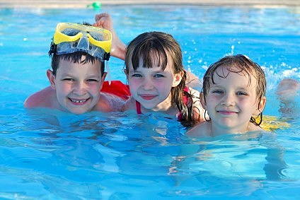 iStock_kids_swimming-stcloud