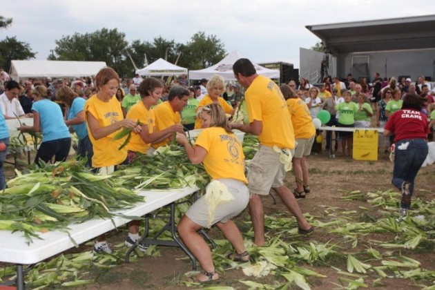 Corn Roast Corn Shucking contest