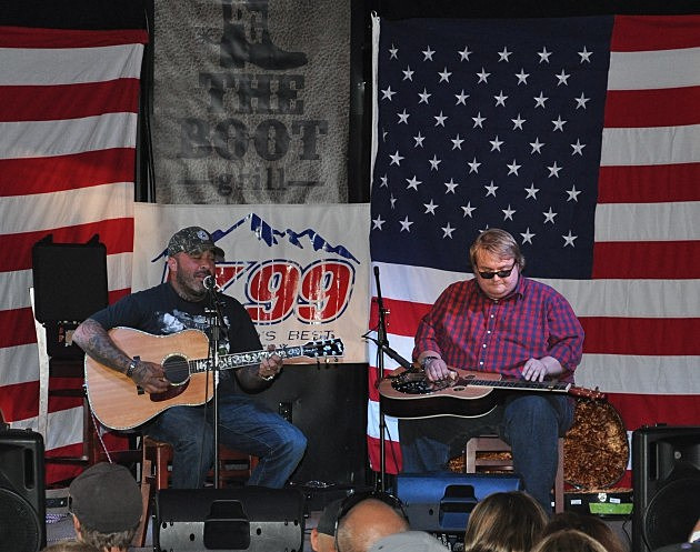 Aaron Lewis and Guitar Player Ben Kitterman