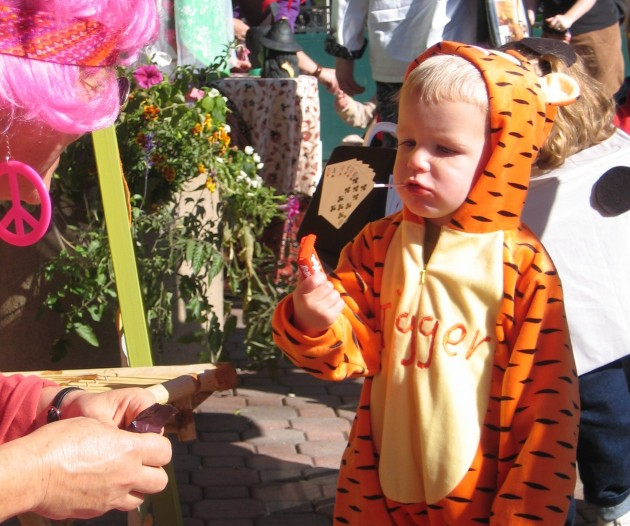 Tigger at the Tiny Tots Parade