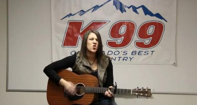 "Rachel Farley Performs ""Fire"" at K99"