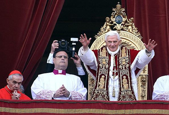 Pope Benedict XVI Delivers His Urbi Et Orbi Blessing