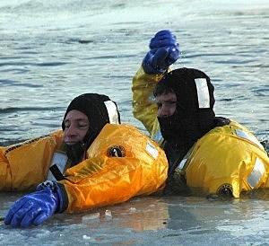 Larimer County Dive Rescue - IceTraining