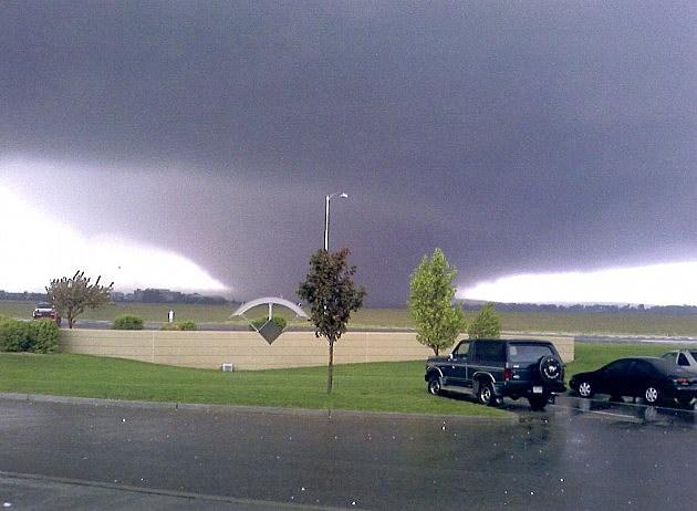 Tornado Coming Toward Windsor May 22, 2008