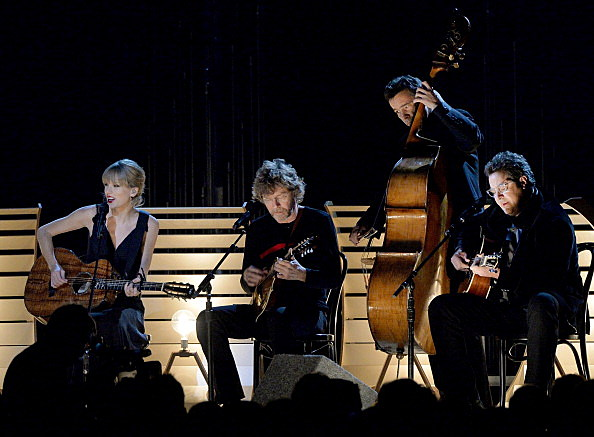 """Taylor Swift performs """"Red"""" on 47th Annual CMA Awards Show"""