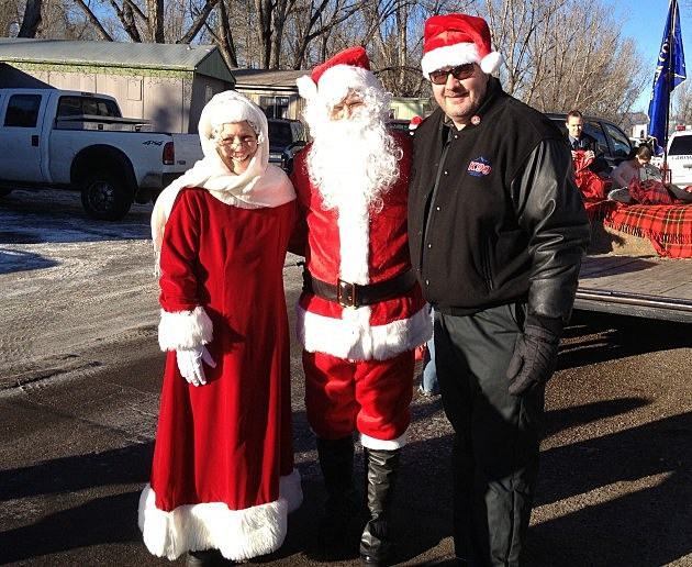 Santa &Mrs Claus with Todd Harding delivering toys for Santa Cops
