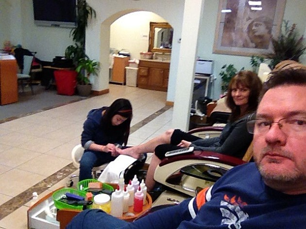 Todd and his wife Jenny get pedicure