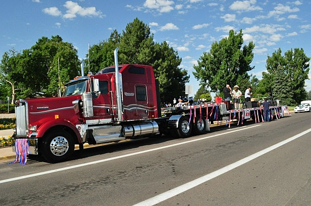 18WheelerStampedeParade