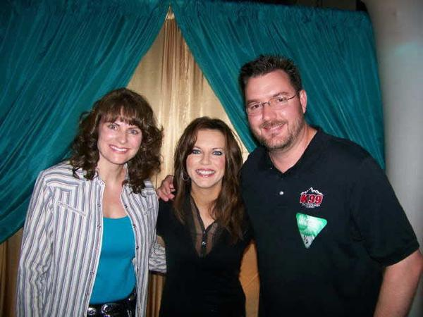 Todd & Wife Jenny With Martina McBride at Bud Center
