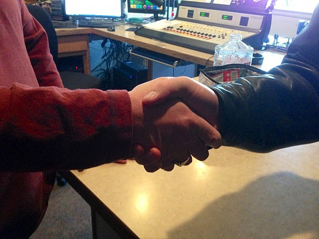 handshake-traditional-630x472