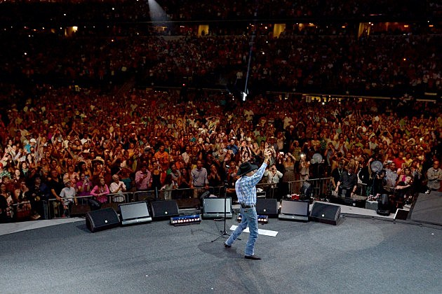 George Strait says Goodbye at his final show in Dallas