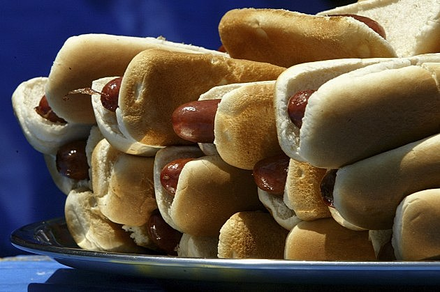 Competitive Eaters Square Off At Fourth of July Hot Dog-Eating Contest