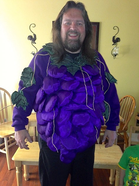 grape suit